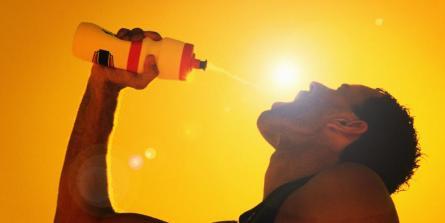 Les pièges des boissons de recharge pour les sports d'endurance