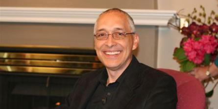 """David Berceli : """"comment récupérer d'un stress intense et réduire l'anxiété"""""""