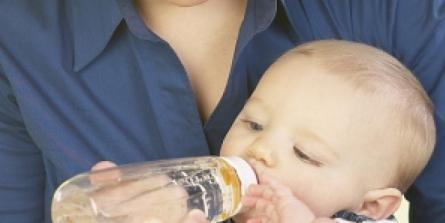 Faut-il avoir peur des biberons contenant du bisphénol A ?