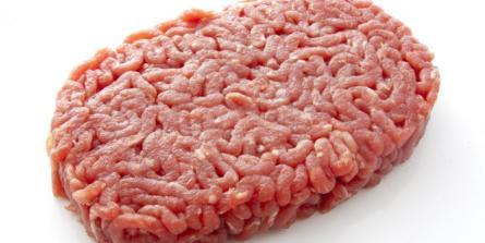 Idée reçue : la viande crue rend les chiens et les chats malades