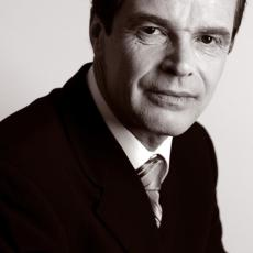 Dr Claude Dalle